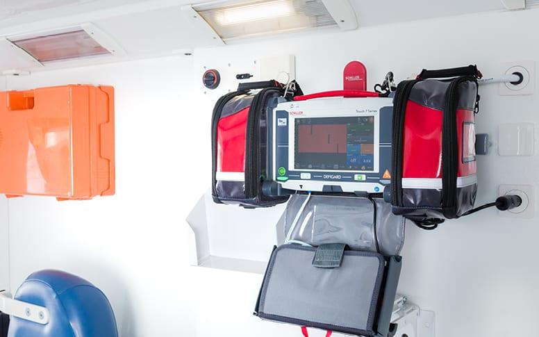 Maintenance pour moniteur-défibrillateur d'urgence