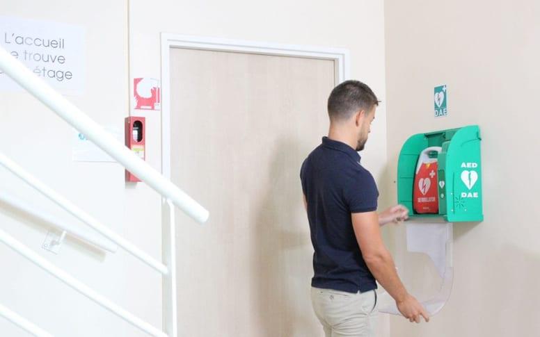 Avantages de la location de défibrillateur
